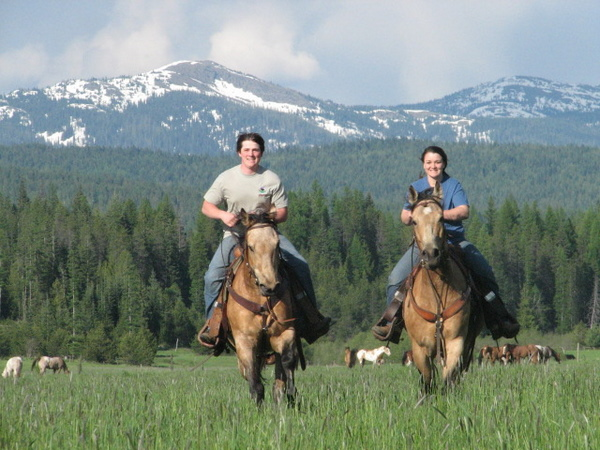 Horseback riding in Sandpoint Idaho